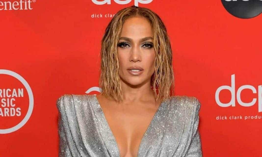 Jennifer Lopez Steps in Netflix's sci-fi thriller 'Atlas'